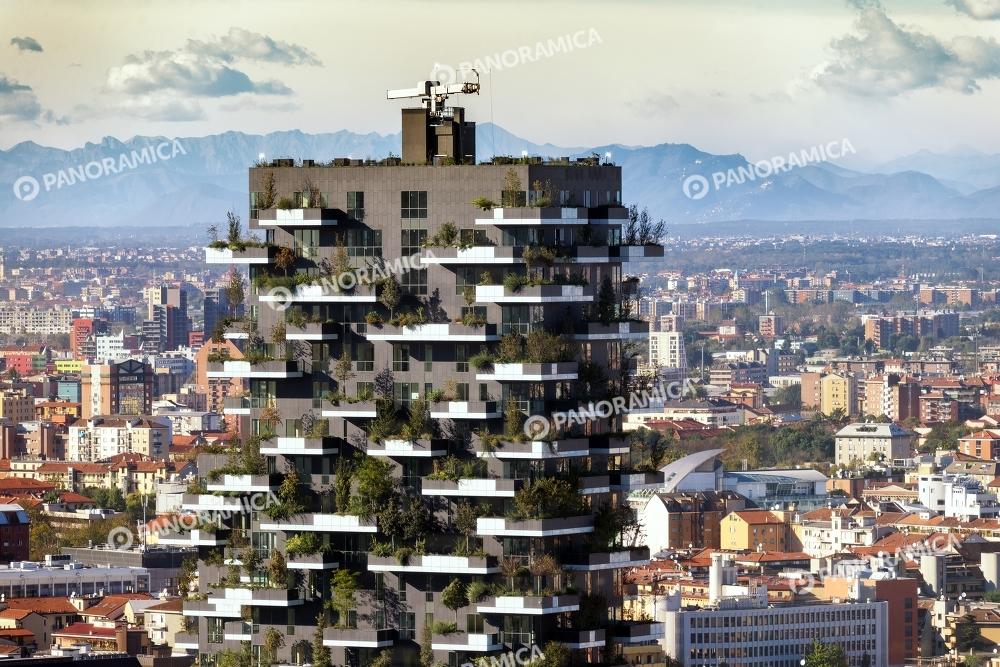 Il Bosco Verticale e le Alpi