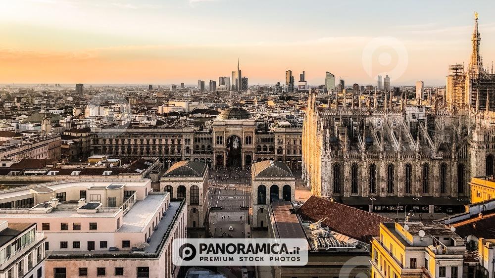 Il Duomo e lo skyline dalla Terrazza Martini - Skyline - Paesaggio ...