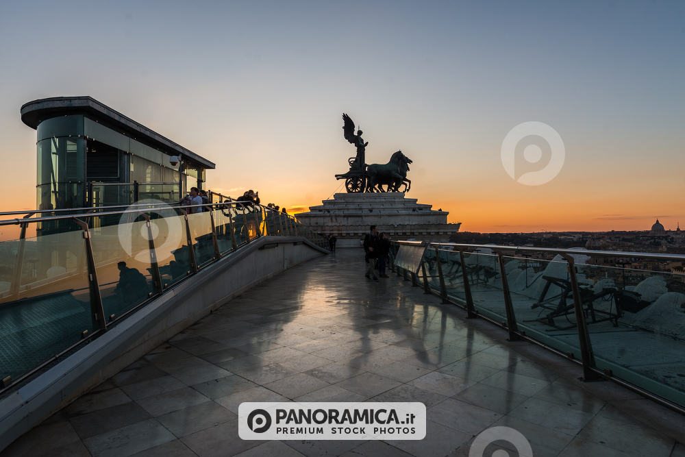 Il Vittoriano - Edifici storici - Panoramica.it ~ Premium Stock Photos
