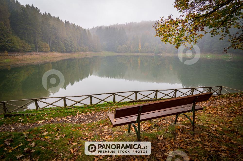 La Poesia Dellautunno Laghi E Cascate Natura Panoramicait