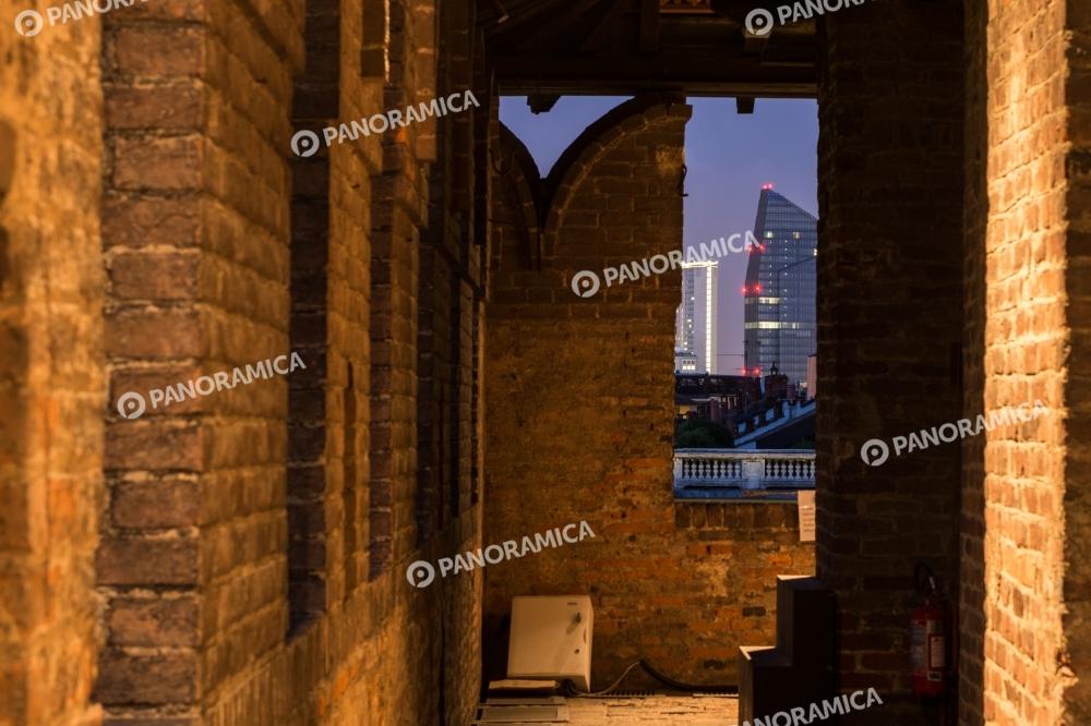 Sulle Merlate del Castello Sforzesco