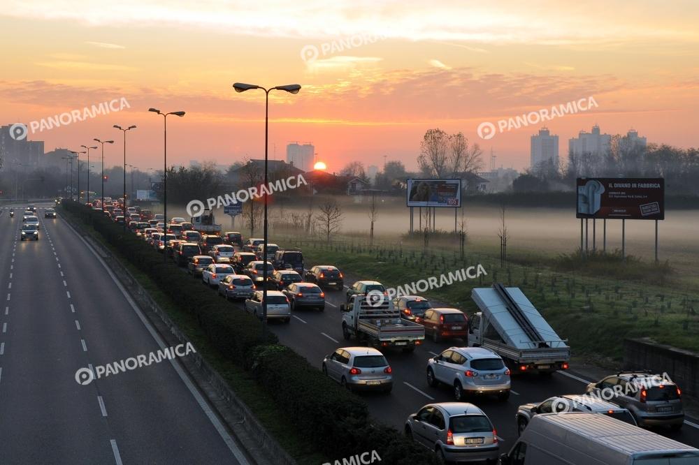 Traffico in Via Parri