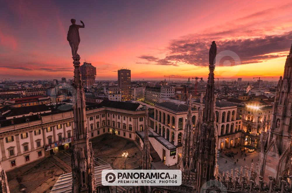 Tramonto dalle Terrazze del Duomo - Paesaggio urbano - Panoramica.it ...
