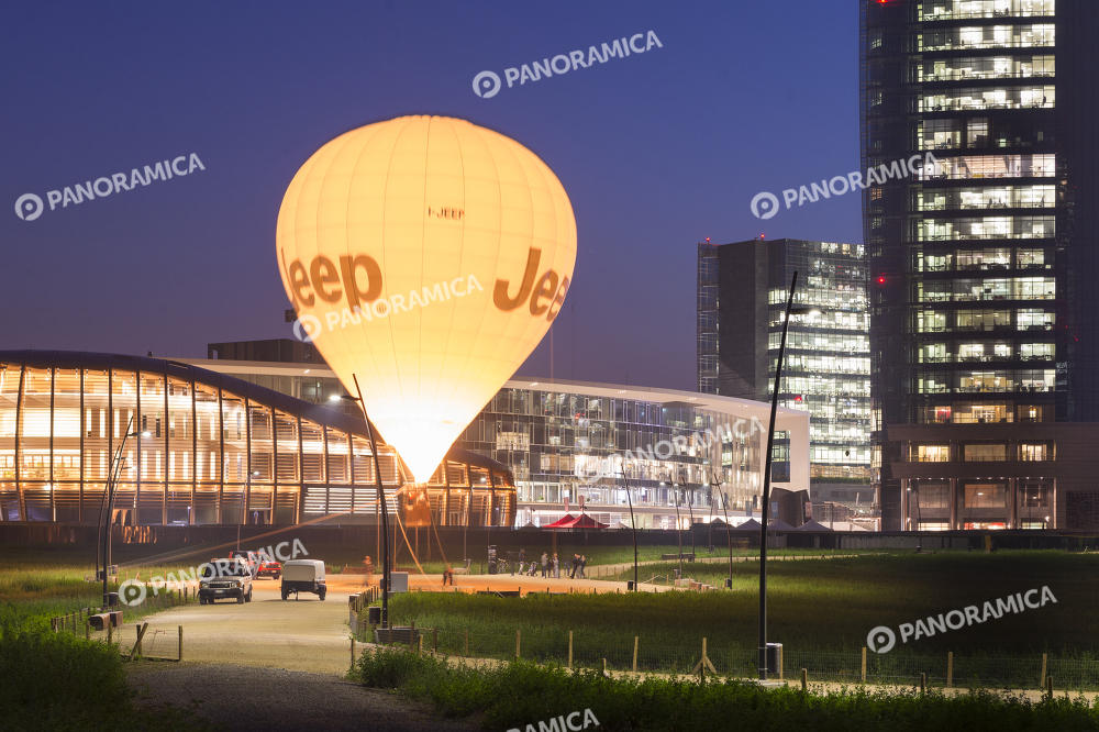Unicredit Pavilion e mongolfiera Jeep
